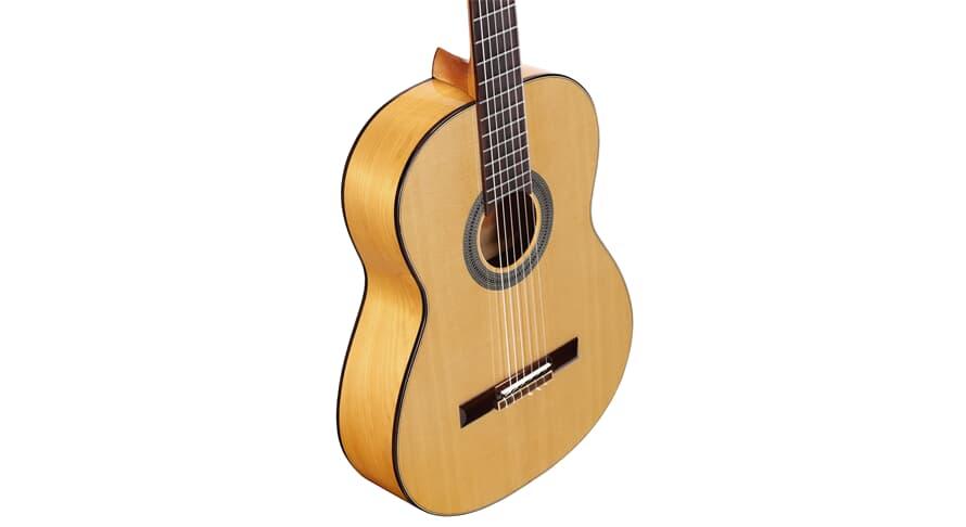 Alvarez CF6 Flamenco Trad. Yellow